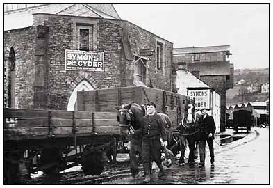 Warehouses in Totnes Plains in the 1940s